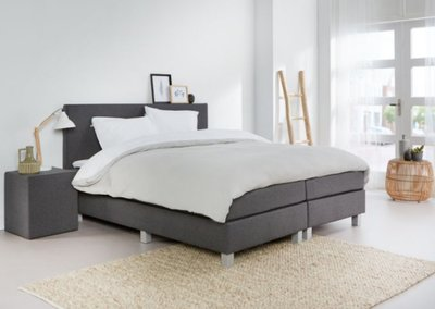 BOXSPRING BRUSSEL INCL TOP MATRAS TRAAGSCHUIM T.W.V €269